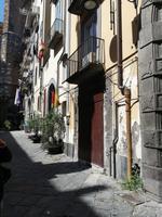 NAPOLI CENTRO STORICO-LOCALE COMMERCIALE-PIAZZA RIARIO SFORZA in Vendita